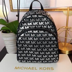 🎁🆕️Michael Kors NEW Black/Silver MD Backpack